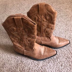 Shoes - Cowgirl boots